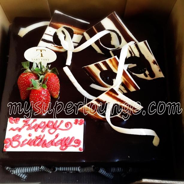 24th birthday - tart tart chocolate manhattan cake 20x20cm