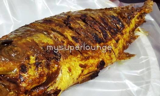 seafood trisulo 234 kelapa gading - ikan kue bakar biasa (bumbu kuning)