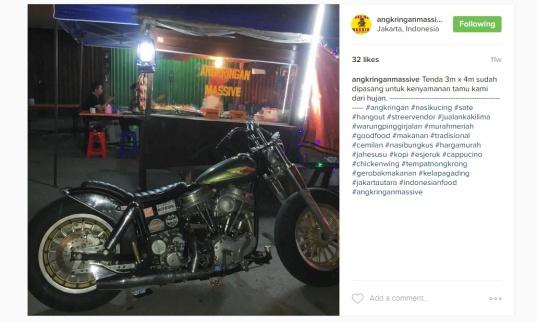 Foto tampak depan Angkringan Massive, diambil dari instagramnya @angkringanmassive
